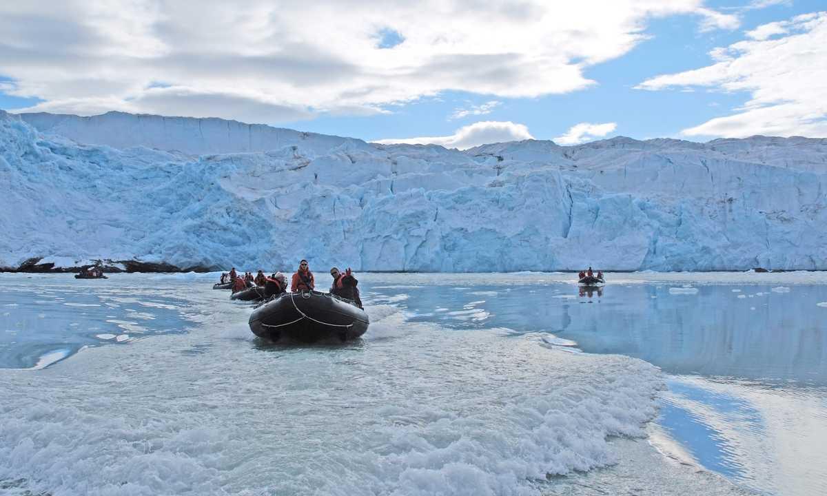 PON_3_PON_RTD_nathalie-michel _RTD_zodiac-cruising-ice