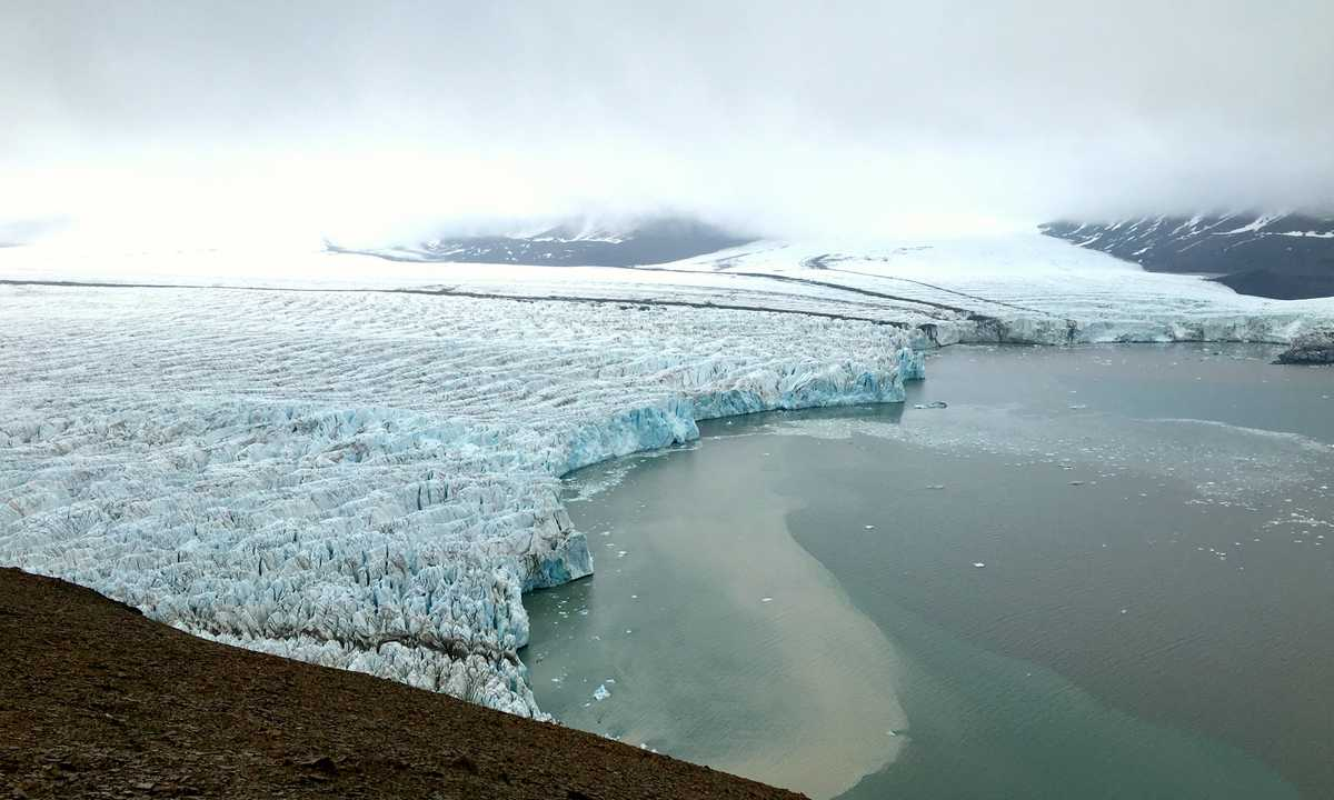 SW_3_John-Newby_ALL_Svalbard-Glacier-14th-July-e